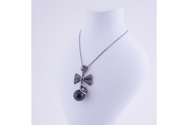 Pearl bow necklace - Jewelry Pendants