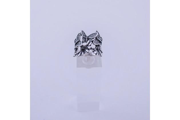 Butterflies ring