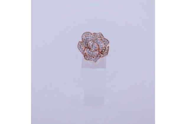 Crystal rose ring