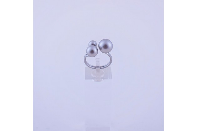 Romantic pearls ring