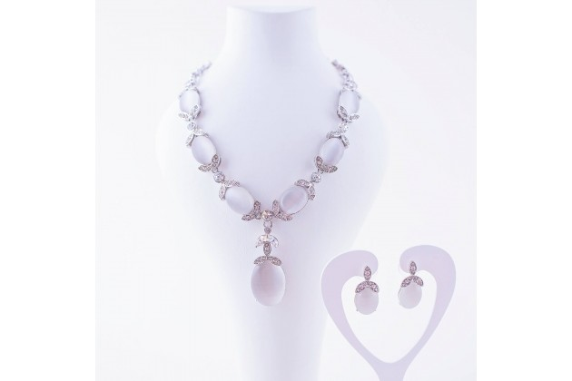 Flower drop necklace and earrings