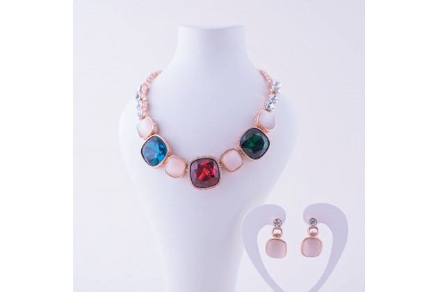 Statement necklace and earrings with crystals