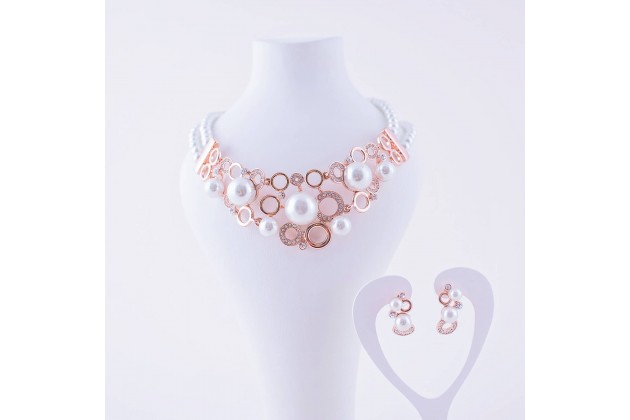 Diva pearl necklace and earrings