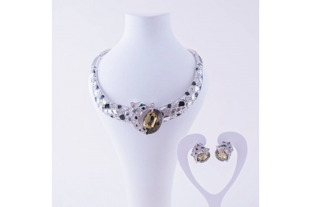 Savannah necklace and earrings