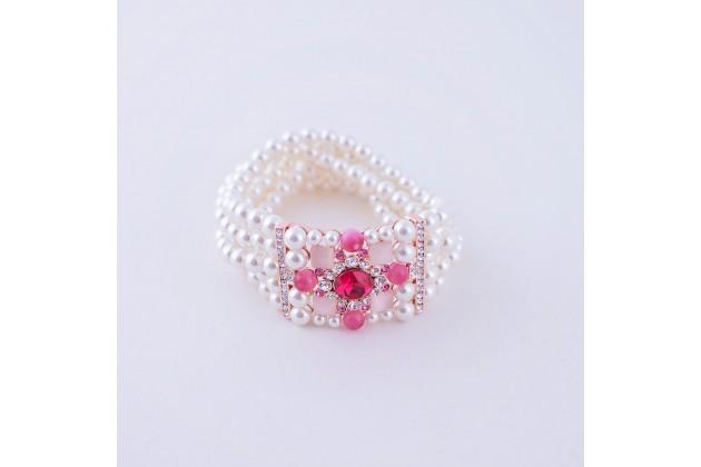 Pearl bracelet with rose cross