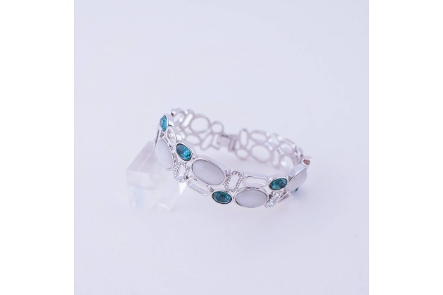Quartz and crystal bracelet