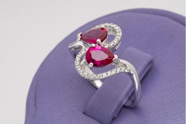 Teardrop rubies silver ring