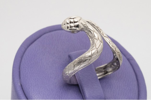 Snake dance silver ring