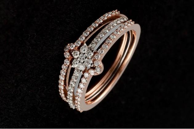 Diamond flower trio rings