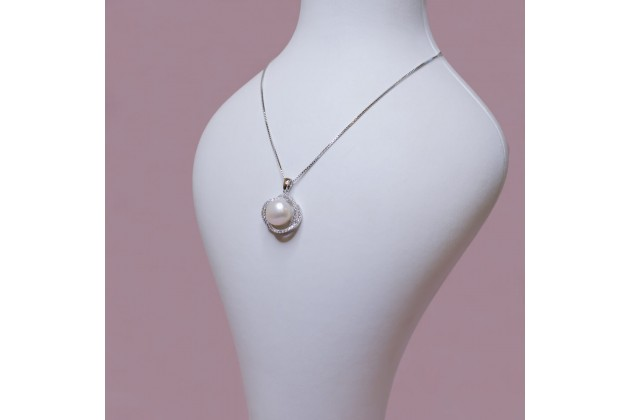 La Femme pearl and crystal necklace