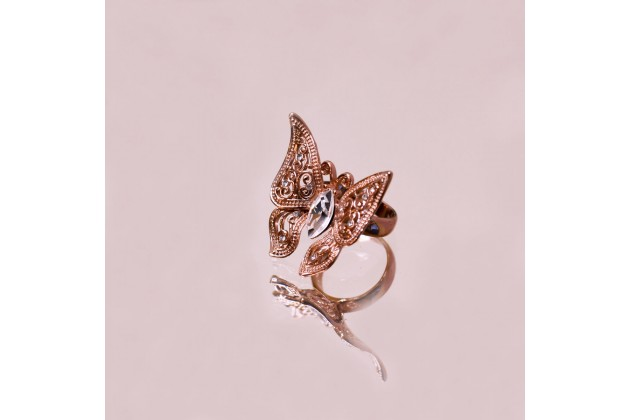 Spectacular Butterfly ring with crystals