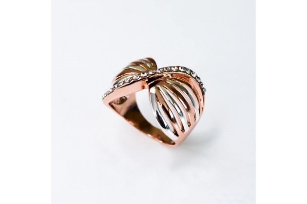 Corsette ring with crystals