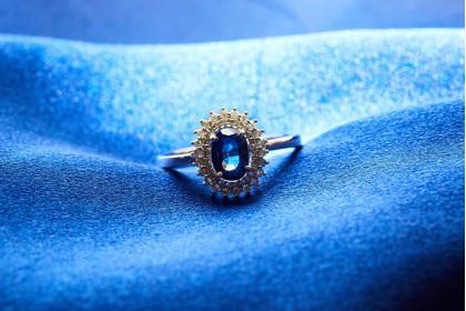 Sparkling sapphire - birthstone of September