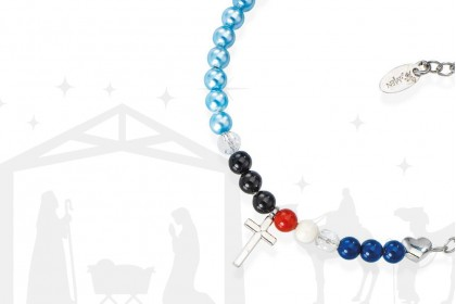 The bracelet that tells us the story of Nativity
