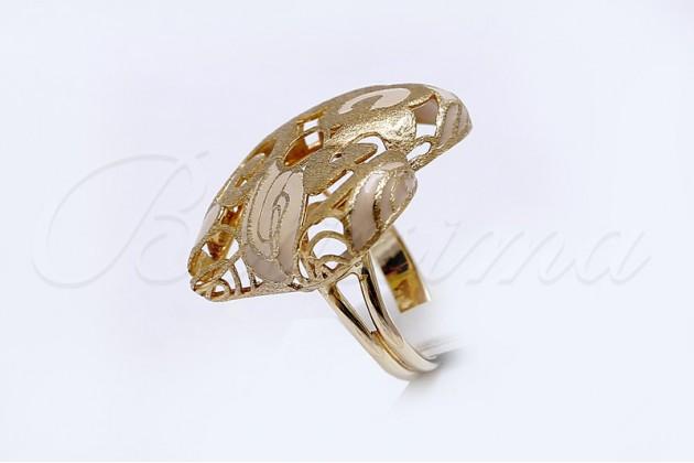 Designer gold ring Heart